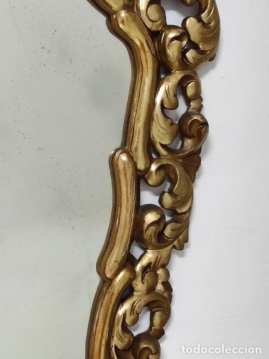 Antigüedades: Bonito Espejo Antiguo - Cornucopia en Madera Tallada y Dorada en Pan de Oro - Foto 5 - 262525340