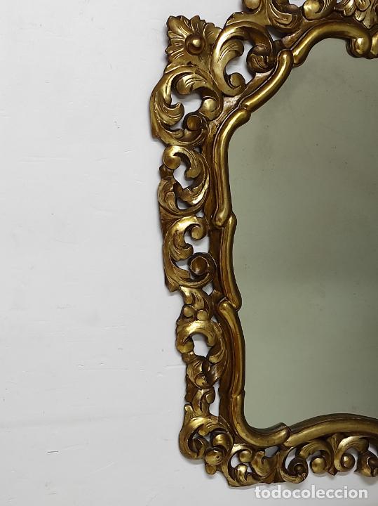 Antigüedades: Bonito Espejo Antiguo - Cornucopia en Madera Tallada y Dorada en Pan de Oro - Foto 7 - 262525340
