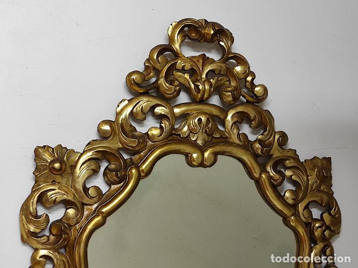 Antigüedades: Bonito Espejo Antiguo - Cornucopia en Madera Tallada y Dorada en Pan de Oro - Foto 8 - 262525340