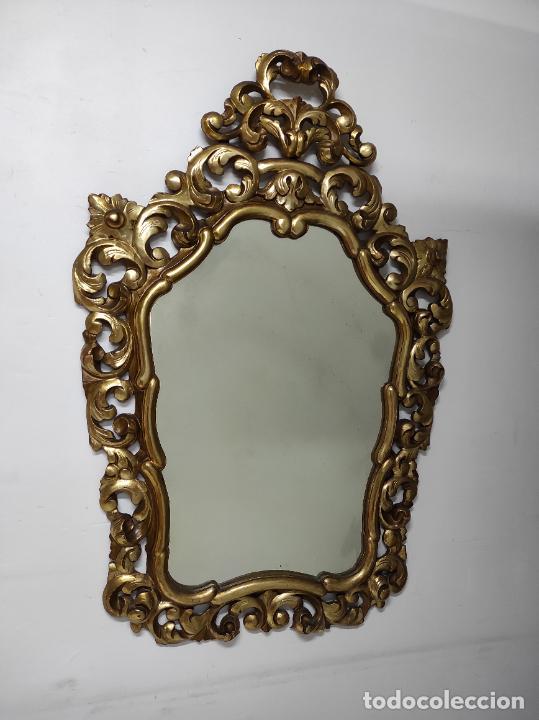 Antigüedades: Bonito Espejo Antiguo - Cornucopia en Madera Tallada y Dorada en Pan de Oro - Foto 11 - 262525340