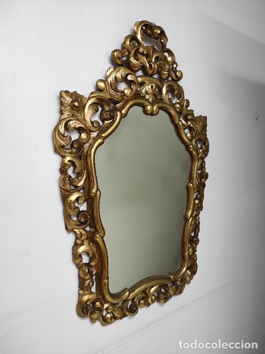 Antigüedades: Bonito Espejo Antiguo - Cornucopia en Madera Tallada y Dorada en Pan de Oro - Foto 12 - 262525340