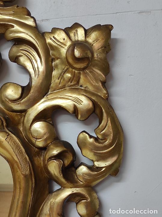 Antigüedades: Bonito Espejo Antiguo - Cornucopia en Madera Tallada y Dorada en Pan de Oro - Foto 14 - 262525340