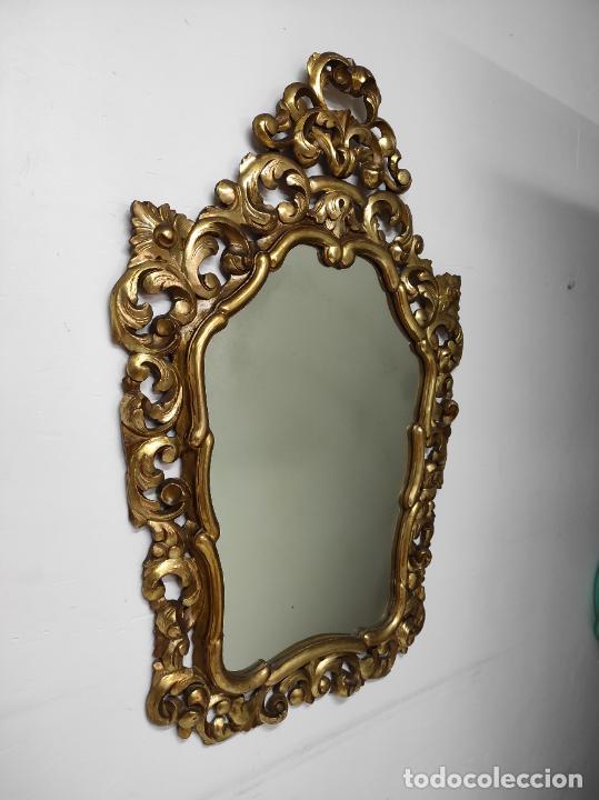 Antigüedades: Bonito Espejo Antiguo - Cornucopia en Madera Tallada y Dorada en Pan de Oro - Foto 16 - 262525340