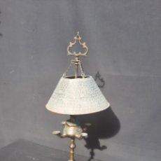 Antiquités: ANTIGUA Y RARA LÁMPARA DE ACEITE CON TULIPA. Lote 262541935