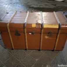 Antigüedades: BAÚL DE VIAJE DE TAMAÑO GRANDE. Lote 262569440