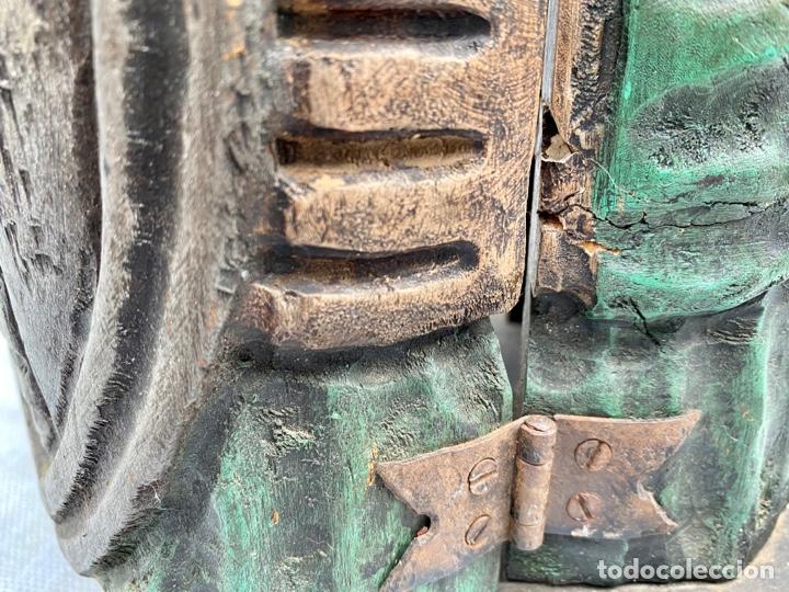 Antigüedades: Botellero o guarda botella de madera tallada antiguo - Foto 16 - 262642180