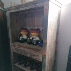 Antigüedades: ARMARIO PINTADO RECICLADO. Lote 262697800
