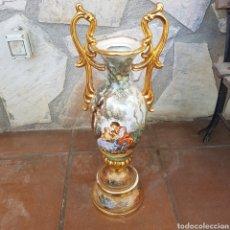 Antigüedades: GRAN JARRON DE PORCELANA FIRMADO. Lote 262698010