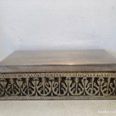 Antigüedades: CAJA CON TAPA DE PLATA PUNZONADA.. Lote 262698770