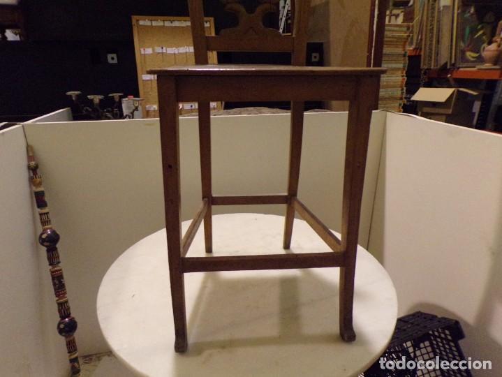 Antigüedades: bonita y decorativa silla para piano o musica con talla de madera - Foto 7 - 262698875
