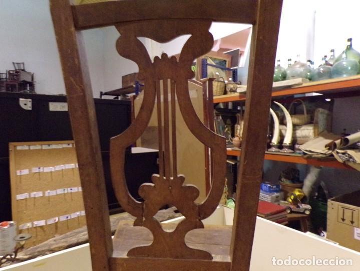 Antigüedades: bonita y decorativa silla para piano o musica con talla de madera - Foto 12 - 262698875