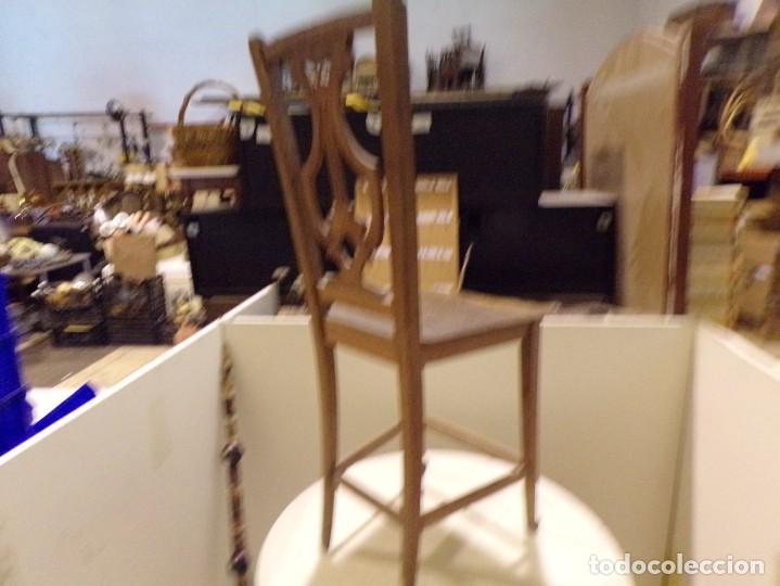 Antigüedades: bonita y decorativa silla para piano o musica con talla de madera - Foto 16 - 262698875