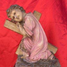 Antiquités: FIGURA ANTIGUA DEL NIÑO DE JESUS DEL SANTO CRISTO DE OLOT DE 33 CMS. DE ALTO X 26 DE LARGO X 17 ANCH. Lote 262723705