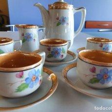Antigüedades: JUEGO DE CAFÉ PORCELANA DE REFLEJOS SANTA CLARA.MAR.VIGO - 6 SERVICIOS - MITAD S.XX. Lote 262766175