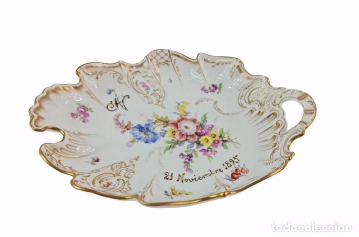 Antigüedades: Bandeja centro de mesa. 1895. Porcelana Dresden. 25x20x4.5cm - Foto 3 - 262793785