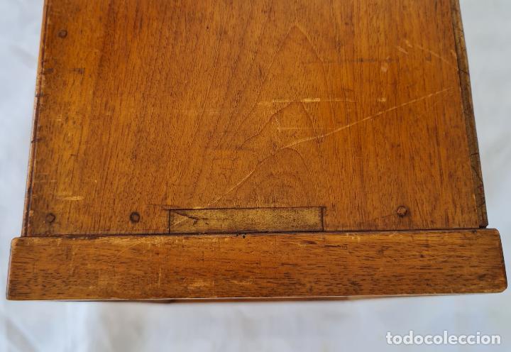Antigüedades: PRECIOSO MUEBLE ESCRITORIO DE SOBREMESA EN MADERAS NOBLES CON ADORNOS EN MARQUETERIA,S. XIX - Foto 9 - 262804160