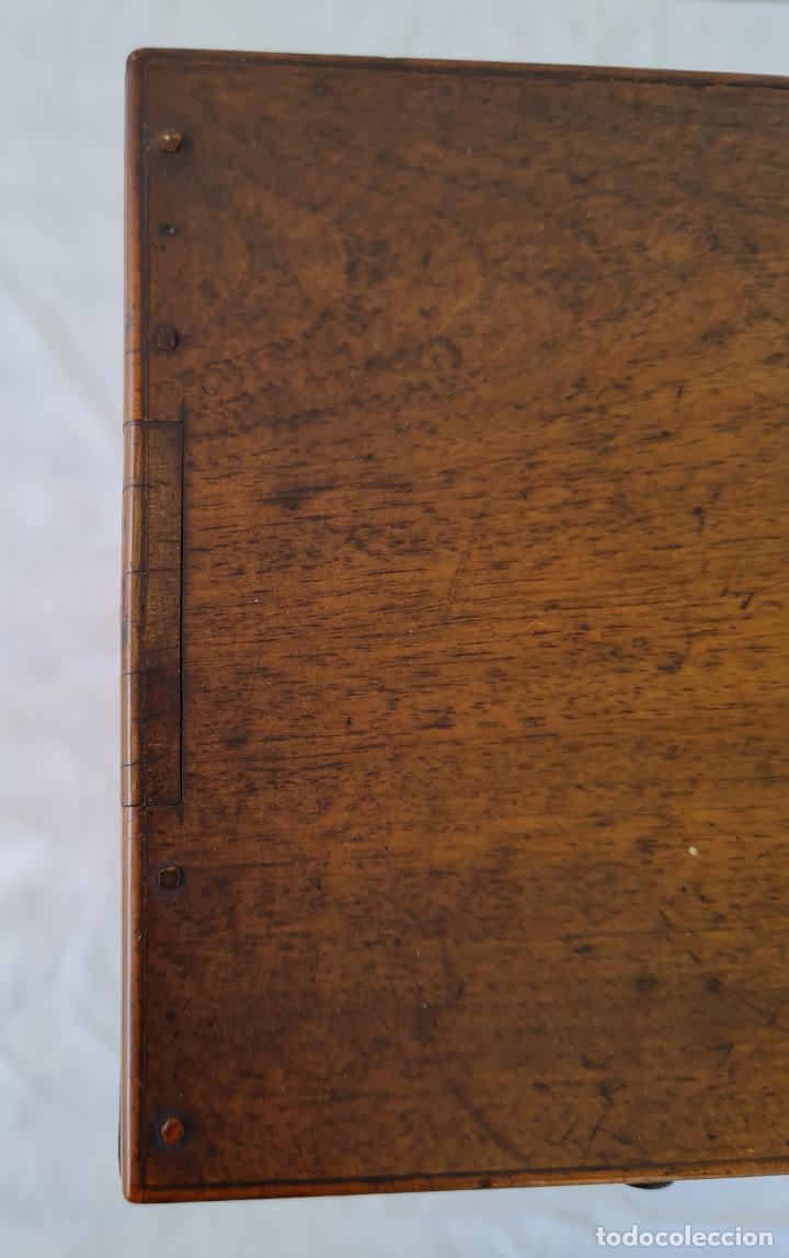 Antigüedades: PRECIOSO MUEBLE ESCRITORIO DE SOBREMESA EN MADERAS NOBLES CON ADORNOS EN MARQUETERIA,S. XIX - Foto 10 - 262804160