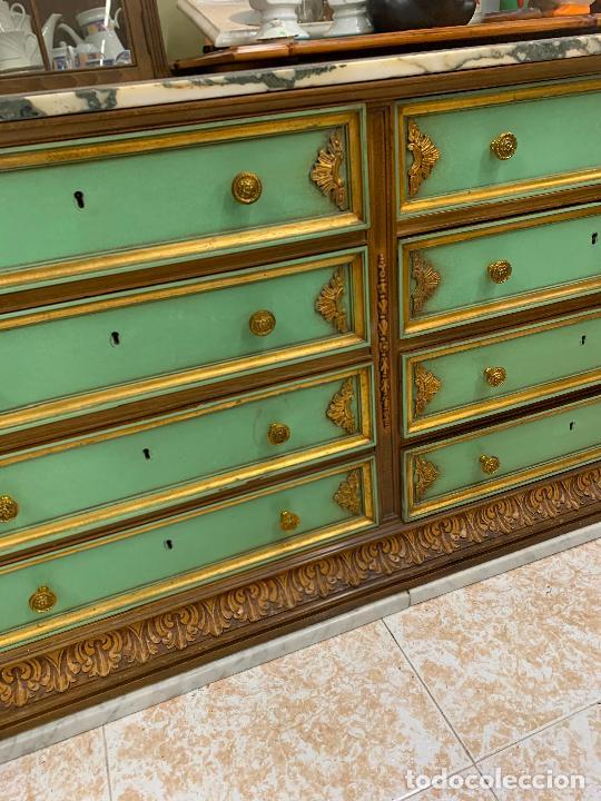 Antigüedades: Encantadora comoda o sifonier, policromada, con remate en talla de madera, por ebanista, y marmol. - Foto 3 - 262806570