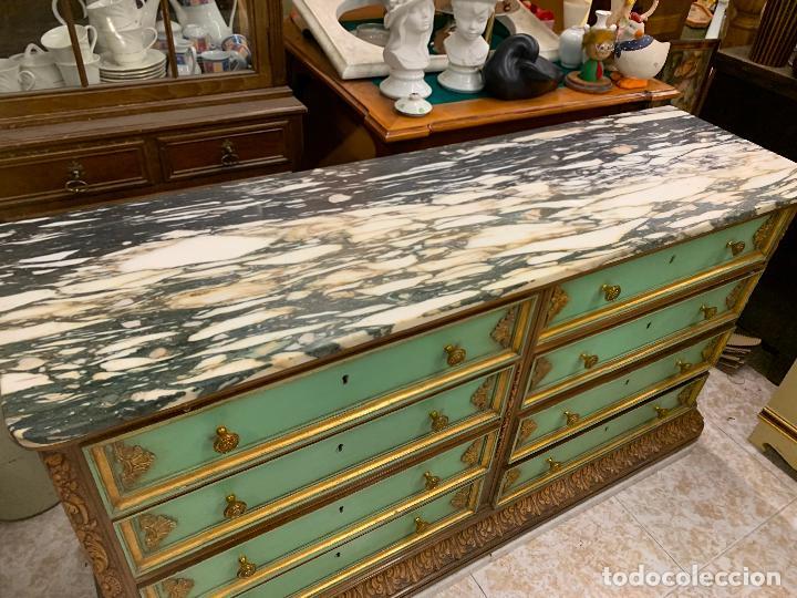 Antigüedades: Encantadora comoda o sifonier, policromada, con remate en talla de madera, por ebanista, y marmol. - Foto 5 - 262806570