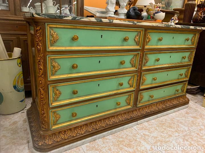 Antigüedades: Encantadora comoda o sifonier, policromada, con remate en talla de madera, por ebanista, y marmol. - Foto 6 - 262806570