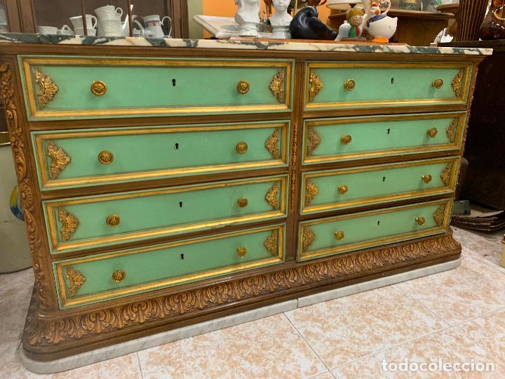 Antigüedades: Encantadora comoda o sifonier, policromada, con remate en talla de madera, por ebanista, y marmol. - Foto 8 - 262806570