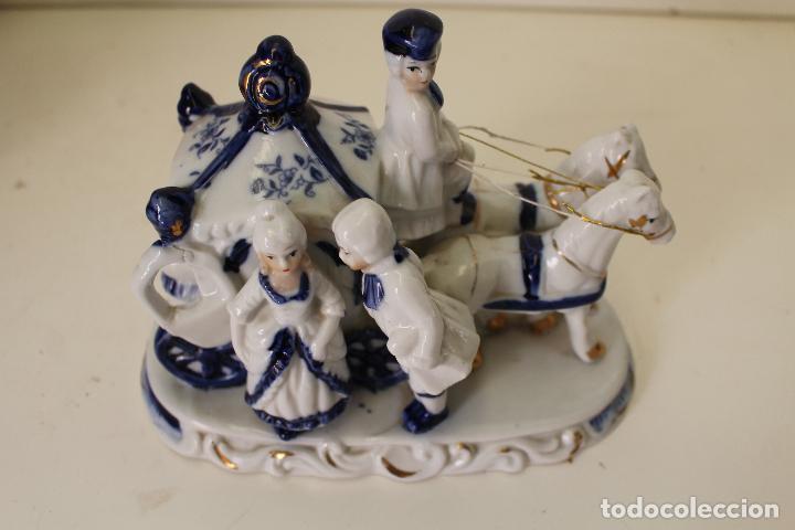 Antigüedades: carruaje galanes porcelana - Foto 2 - 262841530