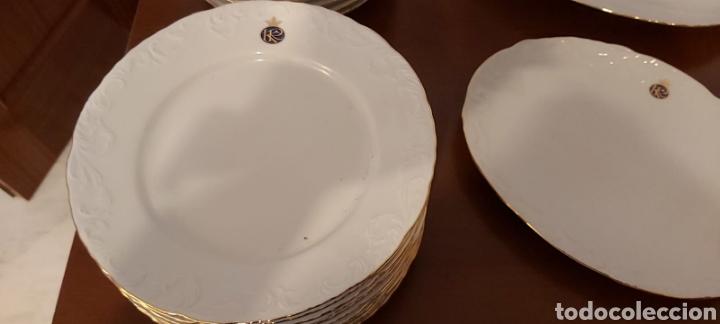 Antigüedades: Vajilla porcelana GEORGE V. Años 90. 35 piezas. Ribetes perfilados en oro. - Foto 6 - 262867640