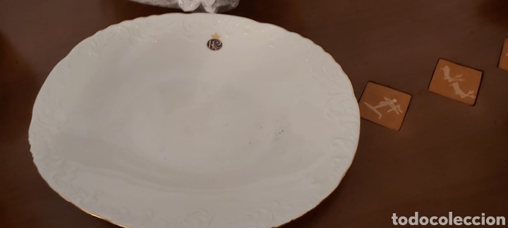 Antigüedades: Vajilla porcelana GEORGE V. Años 90. 35 piezas. Ribetes perfilados en oro. - Foto 8 - 262867640
