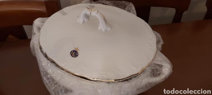 Antigüedades: Vajilla porcelana GEORGE V. Años 90. 35 piezas. Ribetes perfilados en oro. - Foto 9 - 262867640