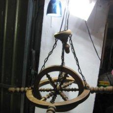 Antigüedades: ANTIGUA LÁMPARA MADERA DE TECHO.. Lote 262868140