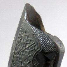 Antigüedades: VASO JARRA EN MADERA TALLADA ARTE PASTORIL FINALES DEL SIGLO XVIII PRINCIPIOS DEL SIGLO XIX. Lote 262882990