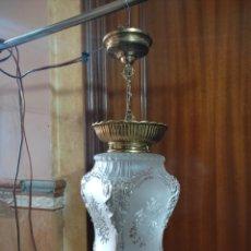 Antigüedades: LAMPARA ANTIGUA DE CRISTAL Y BRONCE. AÑOS 40.. Lote 262910520