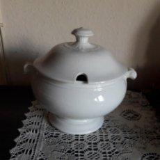Antigüedades: SOPERA DE CERÁMICA PICKMAN. Lote 262912570
