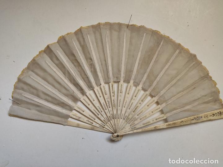 Antigüedades: Abanico para novia de encaje. Varillaje de hueso. - Foto 2 - 262943210