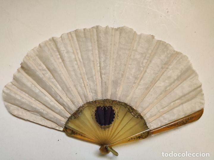 Antigüedades: Abanico para novia. Reposición de encaje. El varillaje parece asta. - Foto 2 - 262944190
