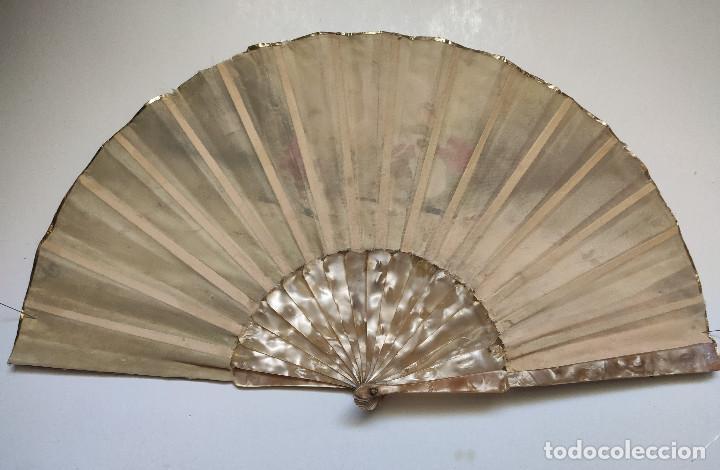 Antigüedades: Abanico pintado a mano, en tela. Imitación de los abanicos del siglo XVIII-XIX.Varillaje de nacarina - Foto 2 - 262953545