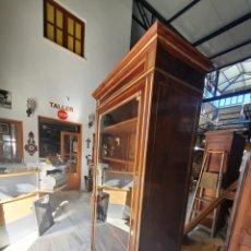Antigüedades: VITRINA. Lote 262962380