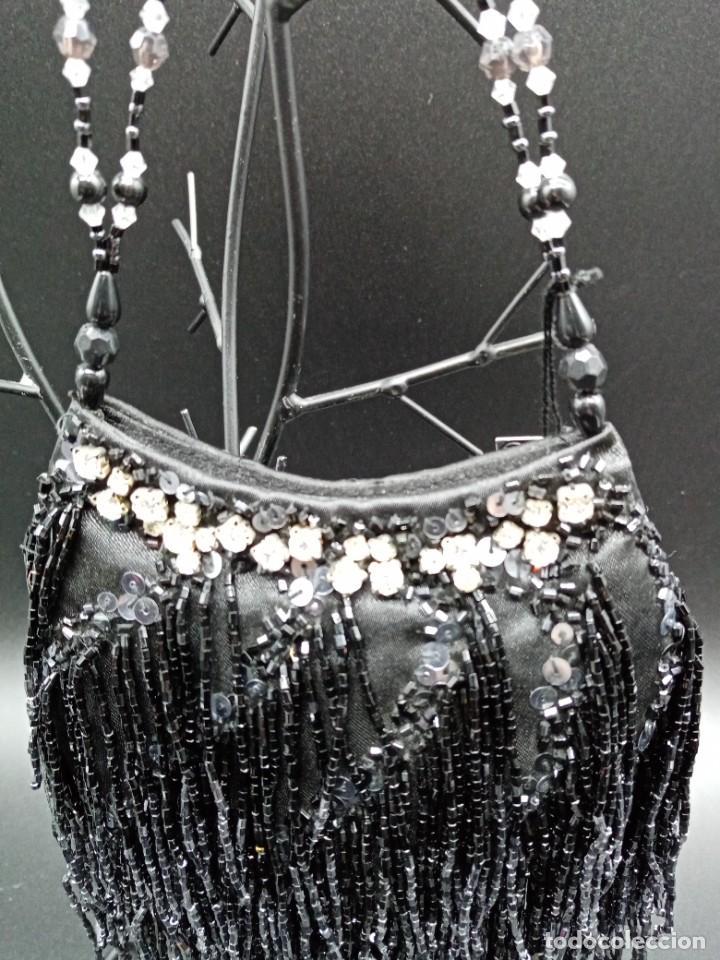 Antigüedades: Bolso negro con abalorios - Foto 3 - 263020080