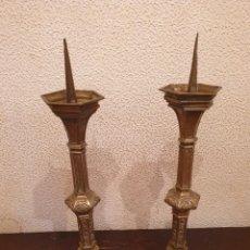 Antigüedades: PORTA CIRIOS IGLESIA ANTIGUO. Lote 263032835