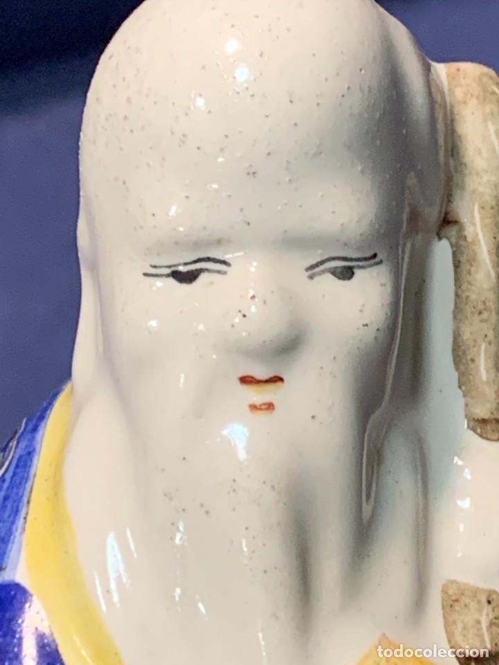 Antigüedades: SABIO FIGURA CHINA PORCELANA DECORADA A MANO QUIZAS INDONESIA MITAD S XX 16X8X5CMS - Foto 4 - 263034385