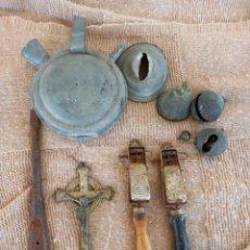 Antigüedades: LOTE DE ANTIGUEDADES,CASCABEL,CAMPANA,MECHEROS,BOTIJO CHAPA,CRUZ CON CRISTO. Lote 263040960