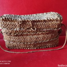 Antigüedades: ANTIGUA CAPACHA HECHA ARTESANALMENTE DE ESPARTO. Lote 263065410