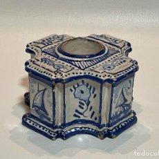 Antigüedades: TINTERO DE CERÁMICA DE TRIANA. Lote 263067610