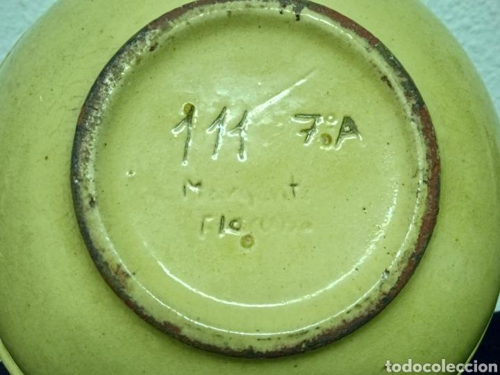 Antigüedades: Un plato hondo pequeño muy antiguo .está firmado - Foto 9 - 263076280