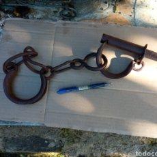 Antigüedades: GRILLETES ANTIGUOS COMPLETOS.. Lote 263124850