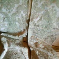 Antigüedades: ~~~~ ANTIGUA PIEZA BROCADA ESTOLA EN VERDE AGUA, ORNAMENTACION, INDUMENTARIA,..MIDE 240 X 33 CM ~~~~. Lote 263151820