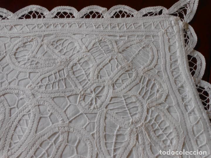 Antigüedades: Funda /Cojin, algodon blanco.Toda encajes de Brujas 43 x 43 cm - Foto 3 - 285047048