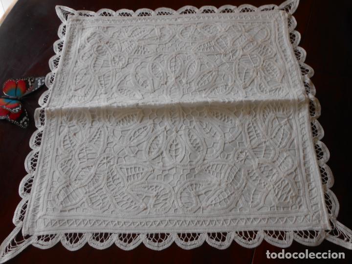Antigüedades: Funda /Cojin, algodon blanco.Toda encajes de Brujas 43 x 43 cm - Foto 4 - 285047048