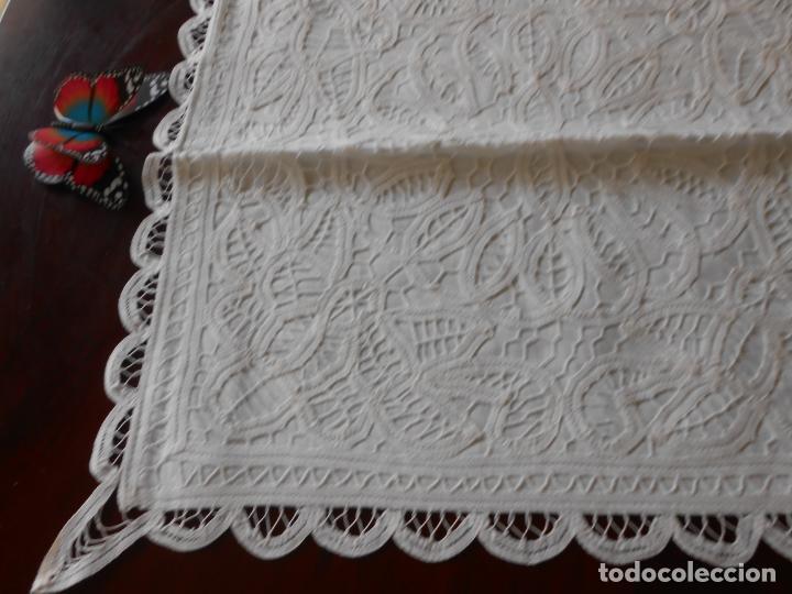 Antigüedades: Funda /Cojin, algodon blanco.Toda encajes de Brujas 43 x 43 cm - Foto 8 - 285047048
