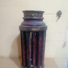 Antigüedades: DECORATIVO EJE CENTRAL DE RUEDA DE CARRO. Lote 263209655